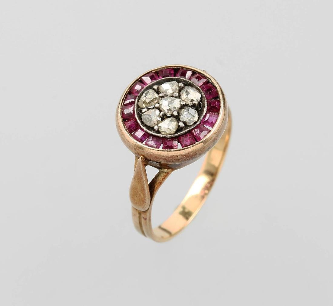 18 kt gold ring with diamonds and rubies