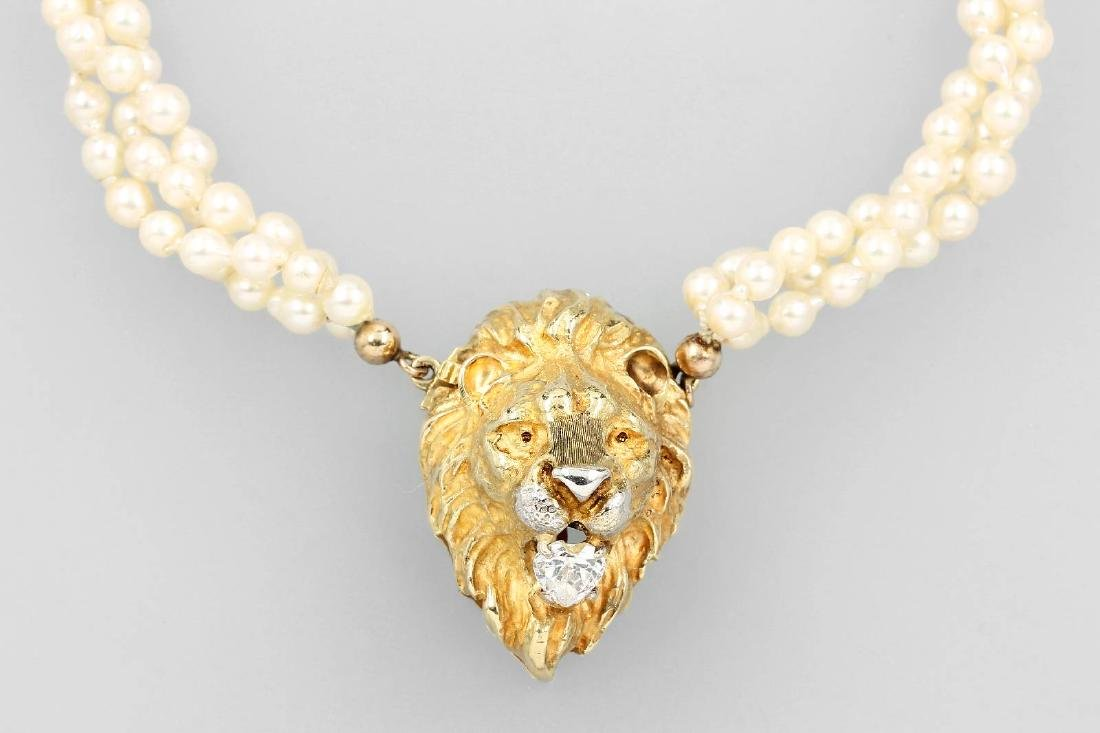 14 kt gold necklace 'lion' with cultured pearls