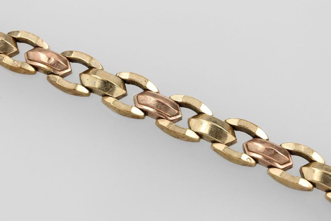 8 kt gold bracelet