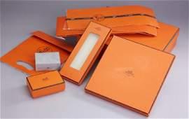 Lot 8 HERMES packagings