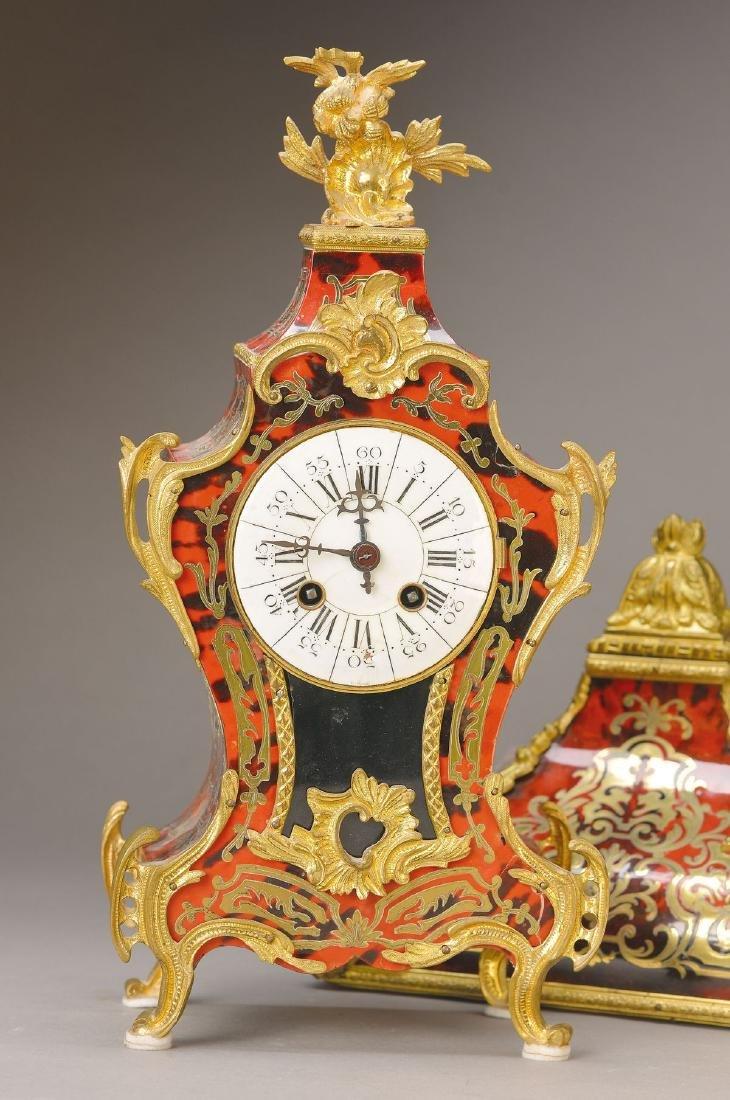 Smaller Boulle-clock