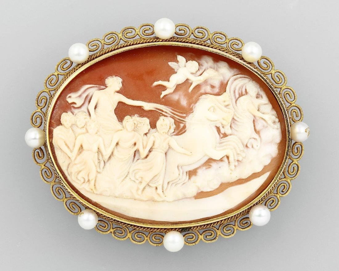 Brooch with shell cameo, Italy approx. 1910/20