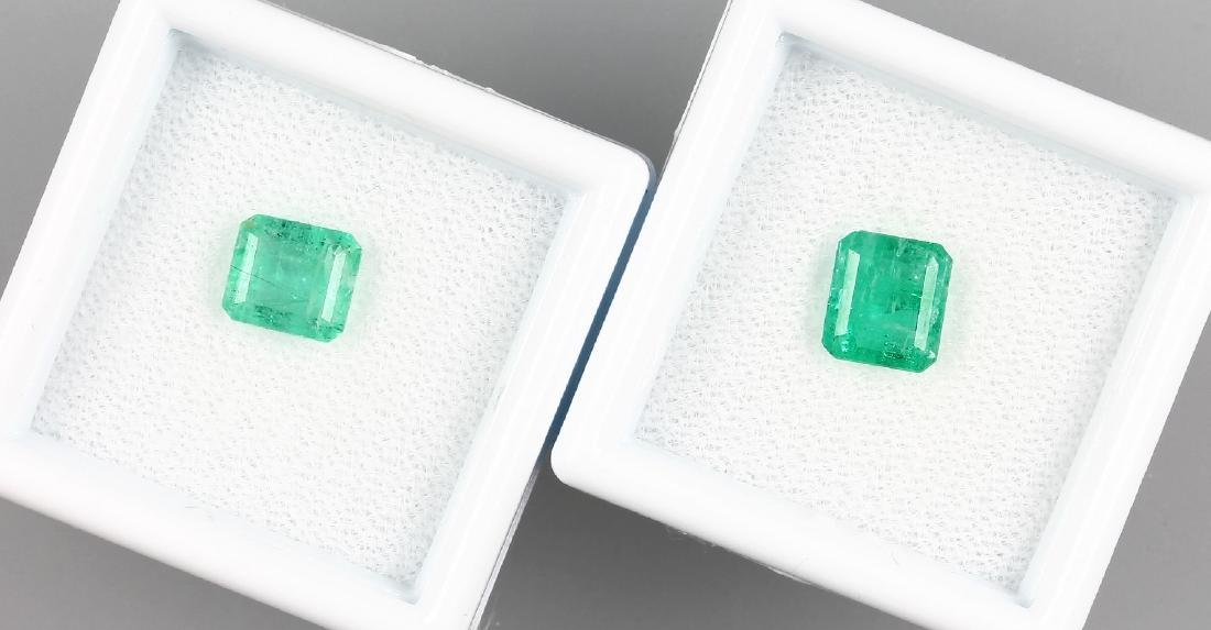 Lot 2 loose emeralds