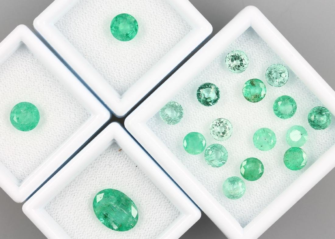Lot 18 loose emeralds