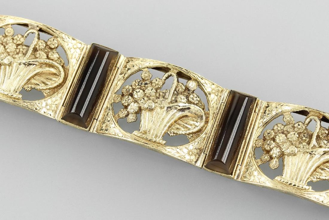 14 kt gold bracelet with agate