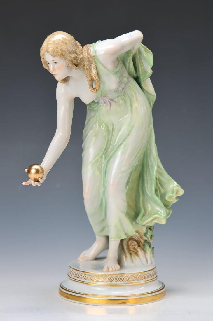 figurine 'The female ball player', Meissen, Pfeifer
