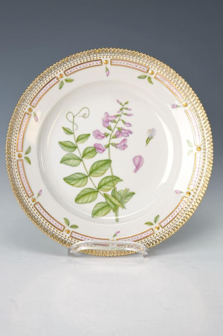plate, Royal Copenhagen, edition Flora Danica, Pisum