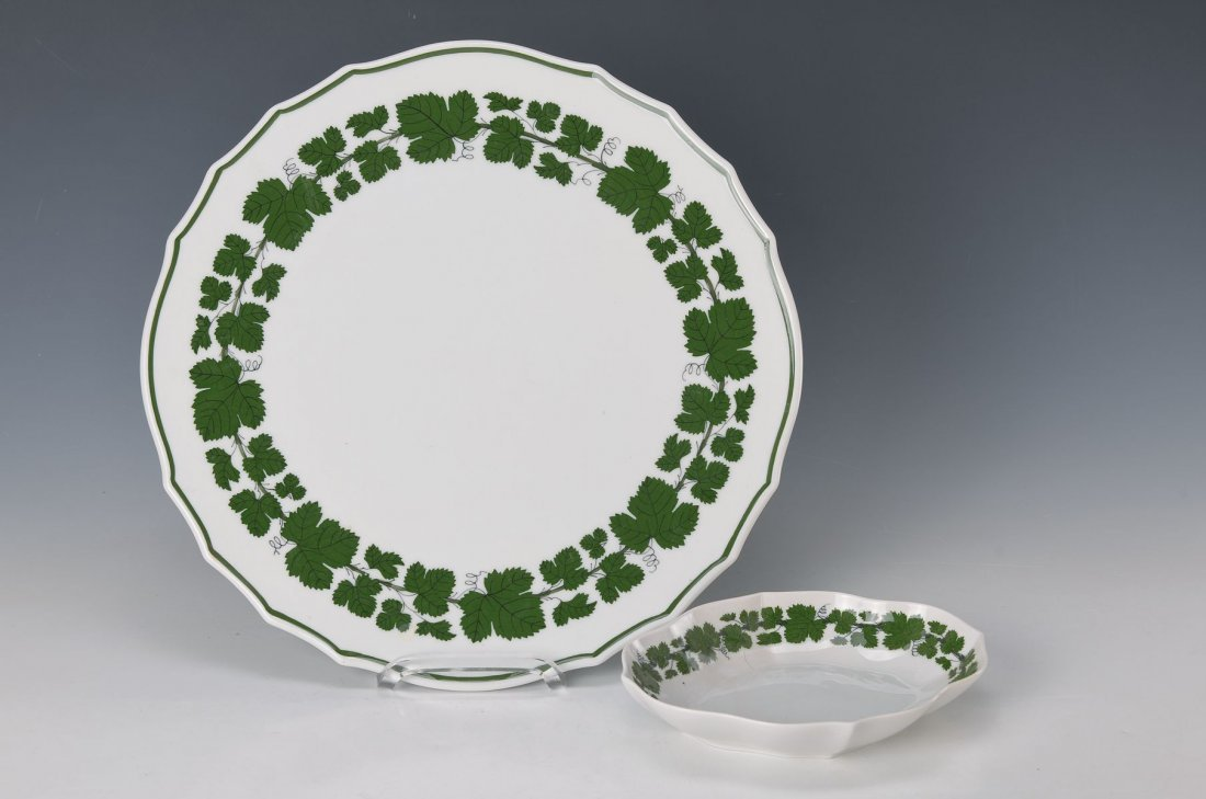 platter and small bowl, Meissen, after 1962, green wine