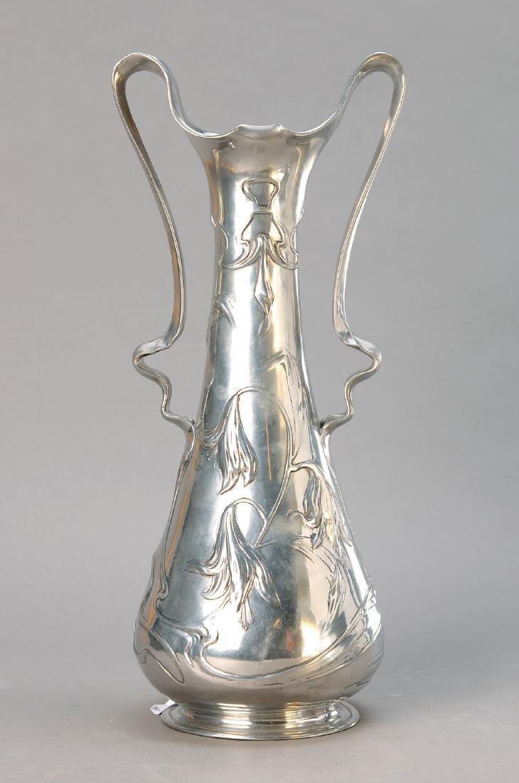 Large Art Nouveau vase, J.frame Hannig, around 1900