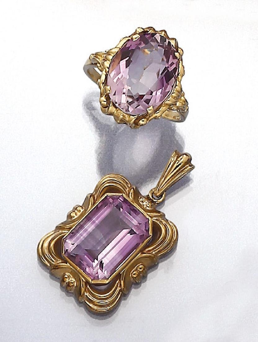 Lot gold ring and pendant with amethyst