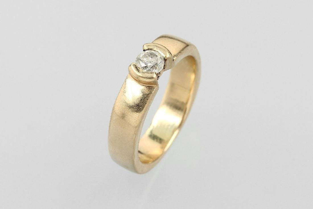 14 kt gold ring with brilliant