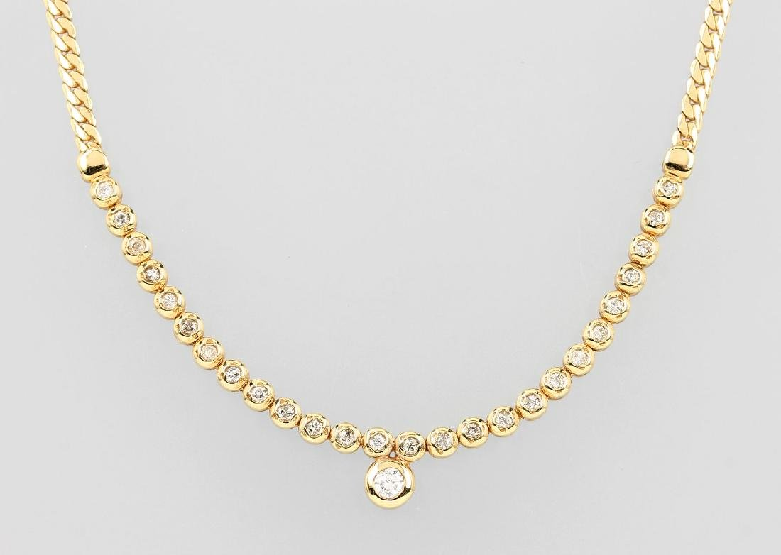 14 kt gold necklace with brilliants