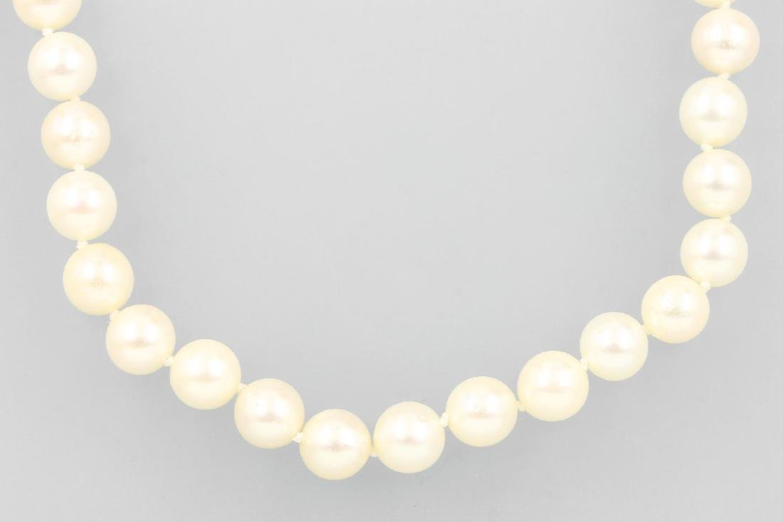 Necklace of Akoya cultured pearls