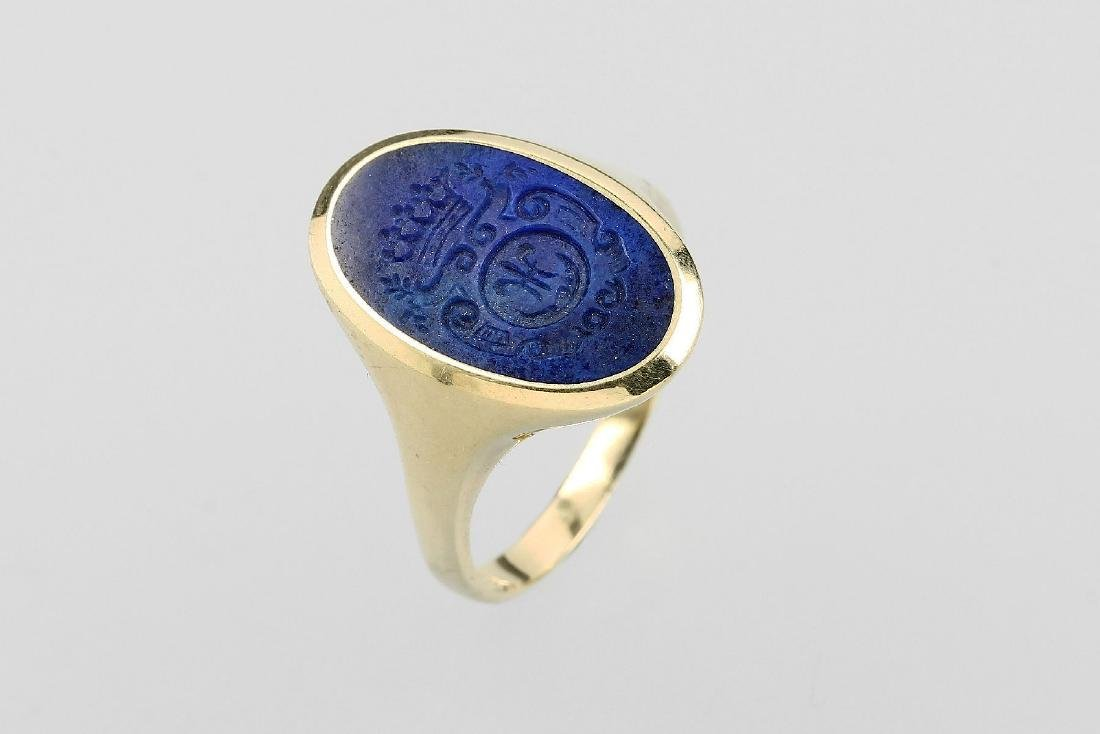 14 kt gold ring with lapis lazuli