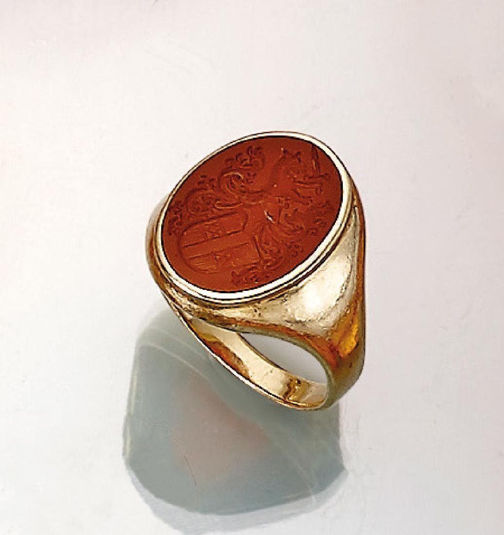 14 kt gold signet ring with carnelian