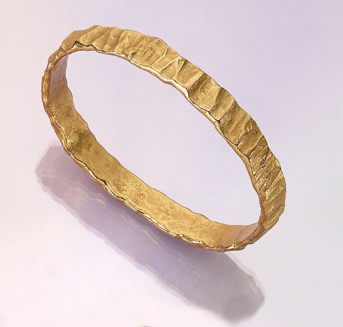 Solid 8 kt gold designer bangle