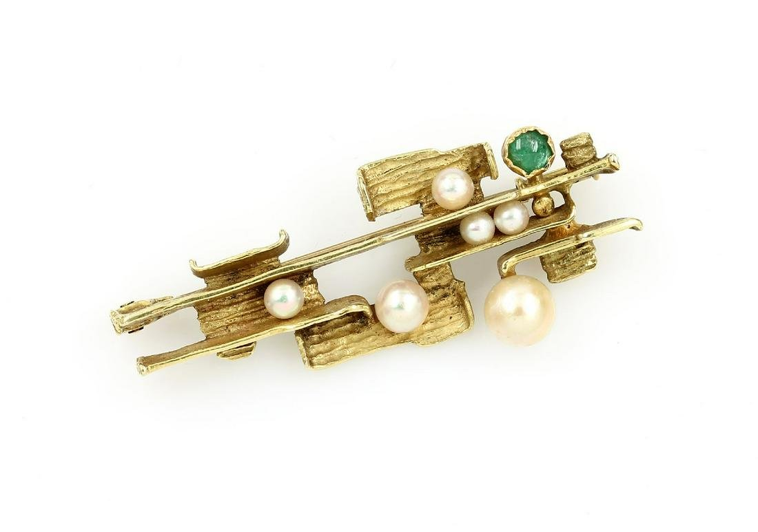 14 kt gold designer Brooch with cultured pearls and