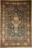 Fine Isfahan carpet antique Persia around 1900 wool