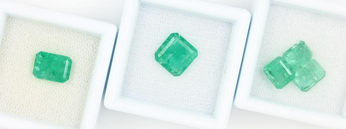 5 loose emeralds