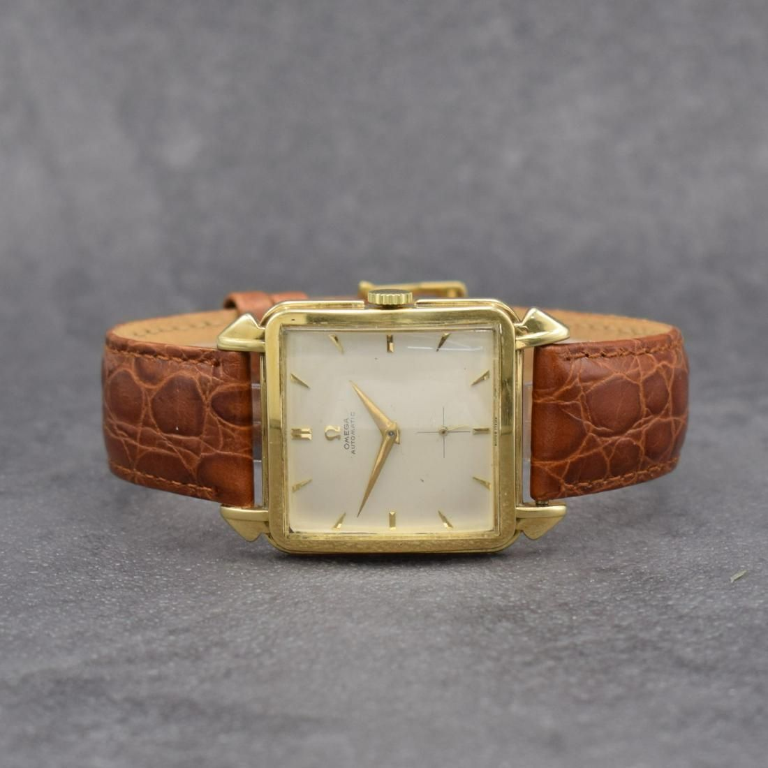 OMEGA square 14k yellow gold gents wristwatch