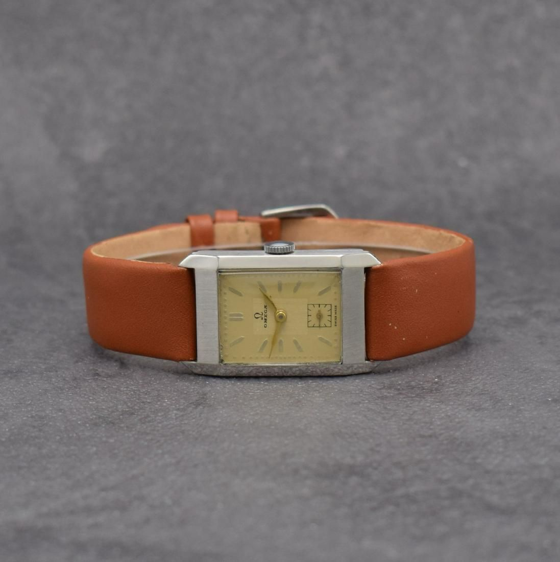OMEGA wristwatch in steel calibre 20F