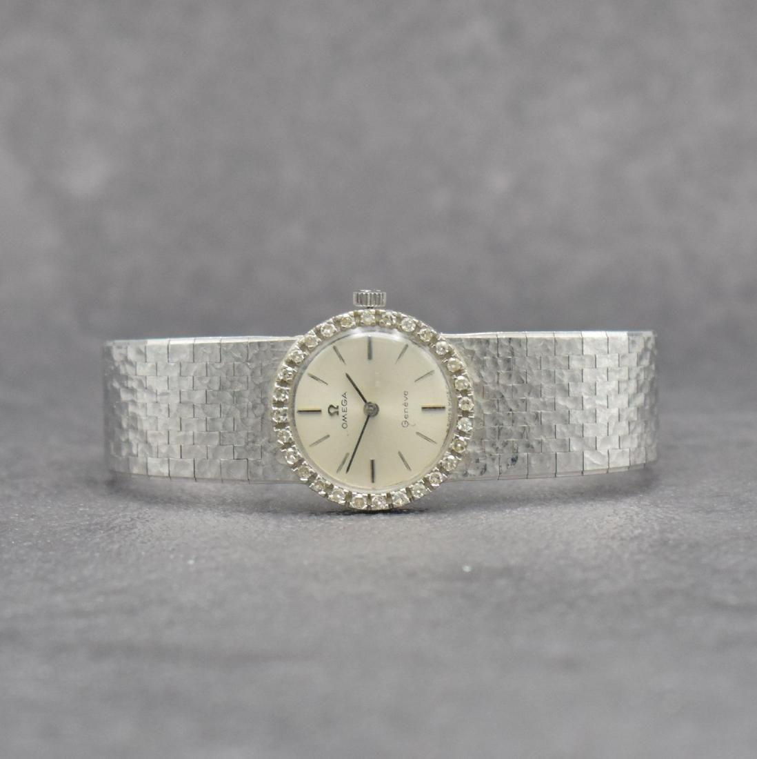 OMEGA 18k white gold ladies wristwatch