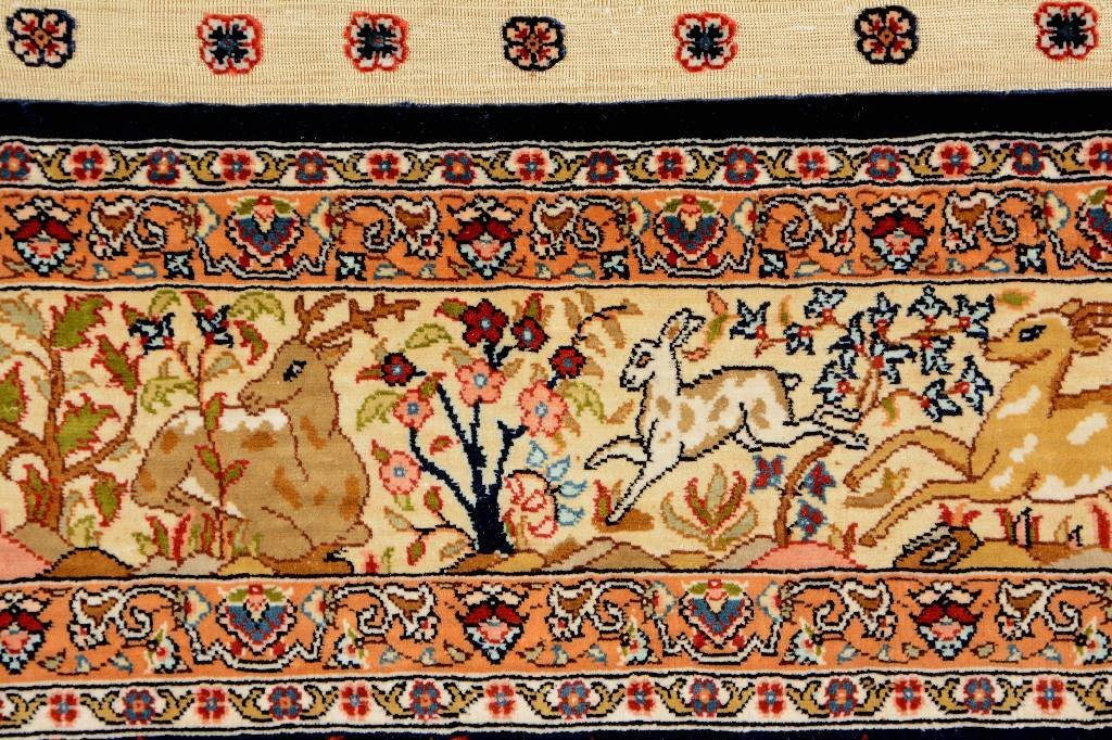 "Silk Hereke ""Özipek"" (signed), ## Turkey, circa - 5"