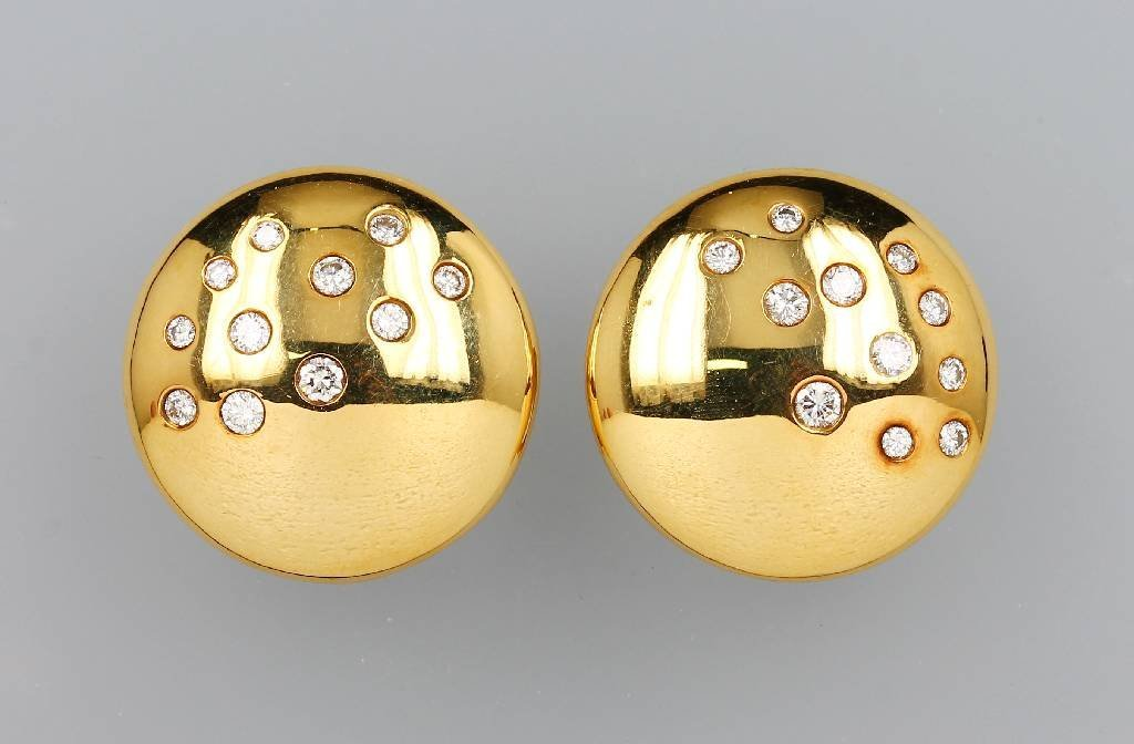 18 kt Gold earrings with brilliants