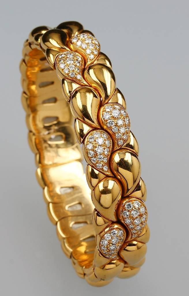 18 kt Gold CHOPARD bangle with brilliants