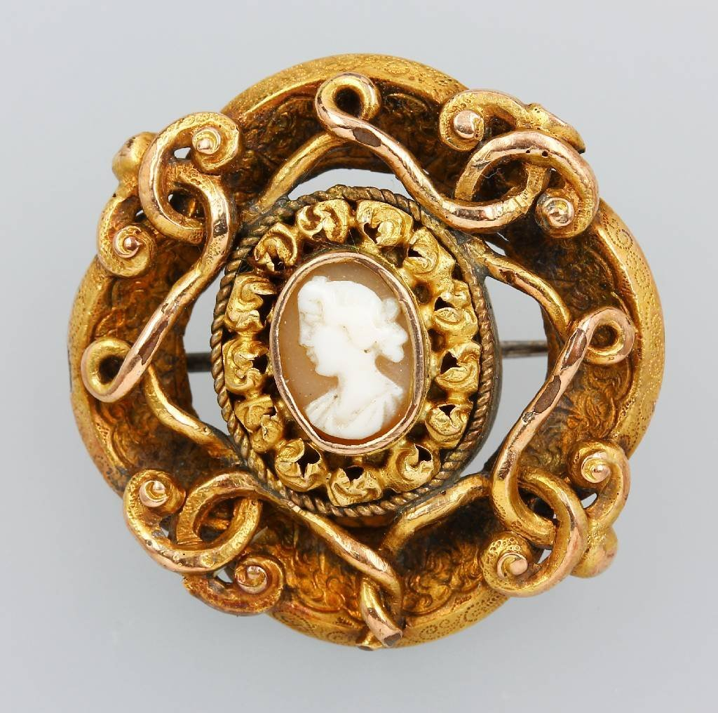 14 kt gold brooch with cameo, Germany approx. 1860