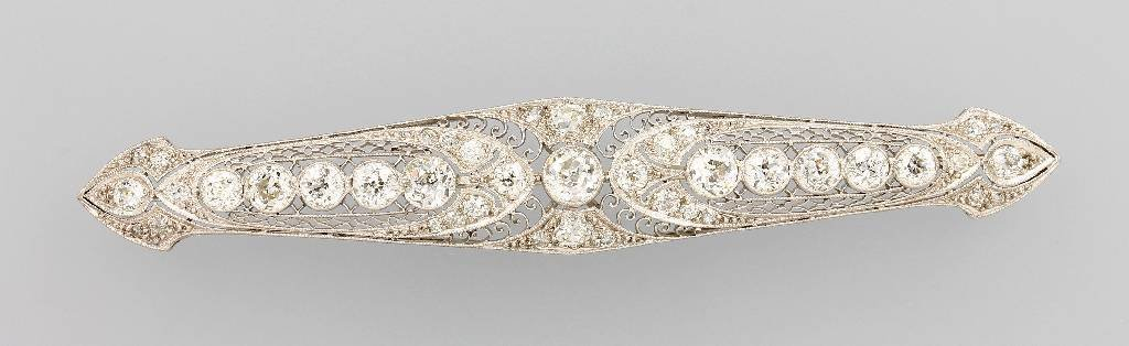 Platinum brooch with diamonds, USA approx. 1920