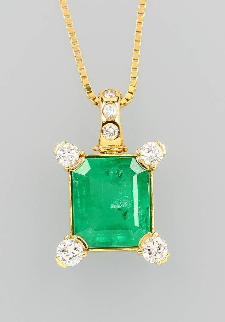 14 kt gold clippendant with emerald and brilliants