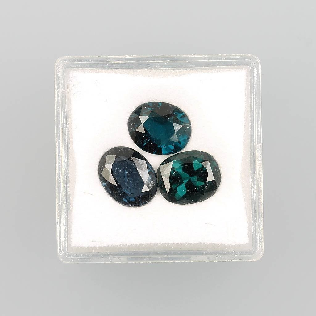 Lot 3 loose spinels, total approx. 6.45 ct