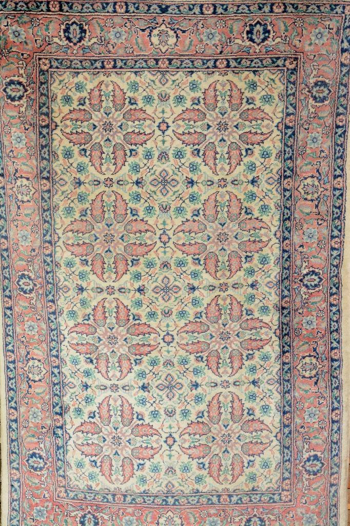 Lahore, India, circa 30 years, wool/cotton, approx. 125