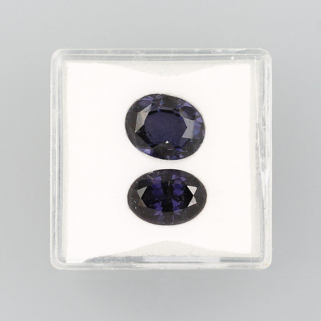 Lot 2 loose spinels total approx. 6.40 ct