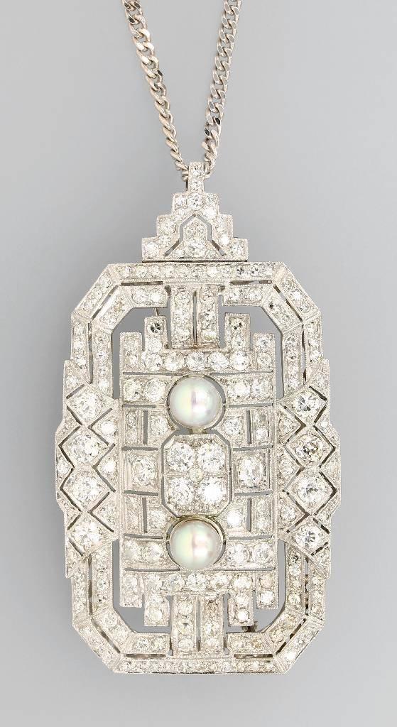Art Deco pendant with pearls and diamonds, platinum