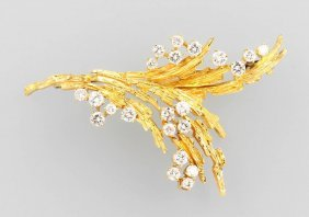 18 Kt Gold Brooch With Brilliants