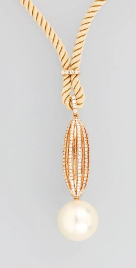 18 Kt Gold Pendant With Pearl And Brilliants