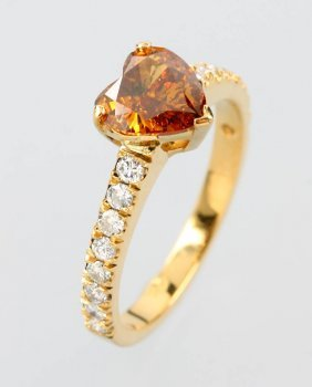 18 Kt Gold Ring With Diamond And Brilliants
