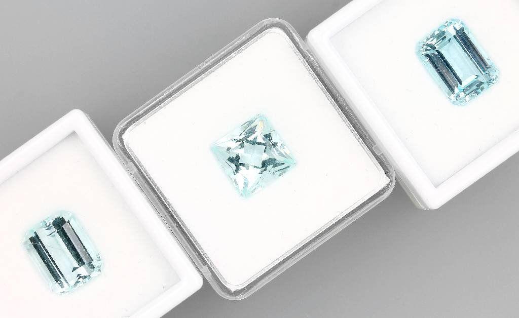 Lot 3 loose aquamarines, total 23.1 ct, 2 x rectangular