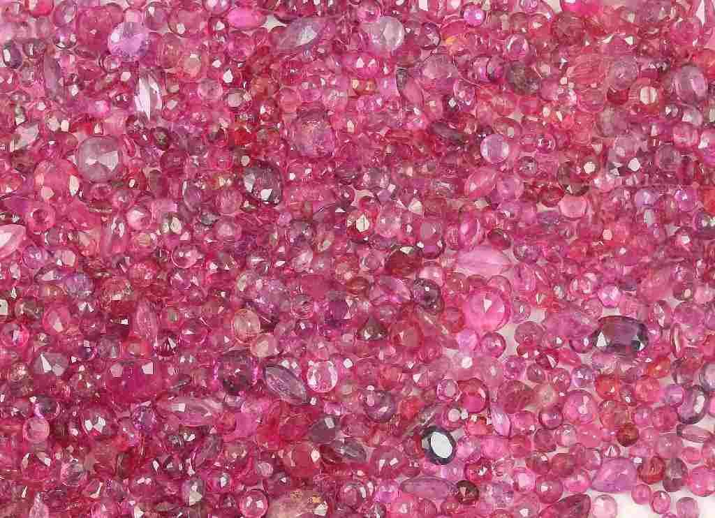 Lot loose rubies