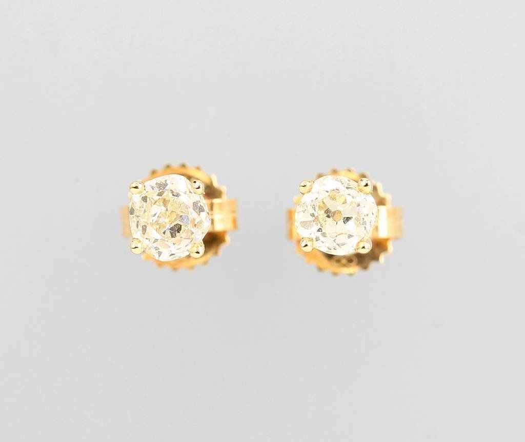 14 kt gold earrings with diamonds,
