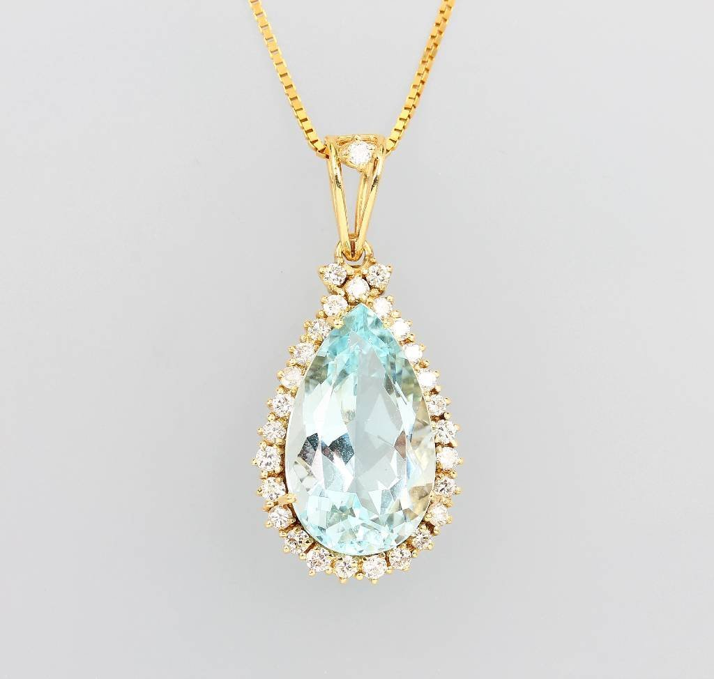 14 kt gold pendant with aquamarine and brilliants