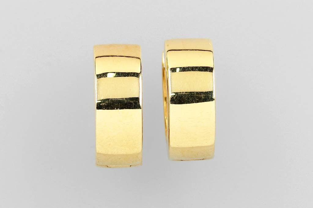 Pair of 14 kt gold hoop earrings