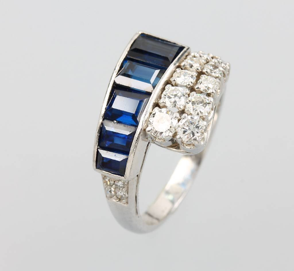 Platinum ring with sapphire and brilliants,