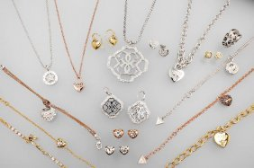 Lot 17-part Guess Jewelry