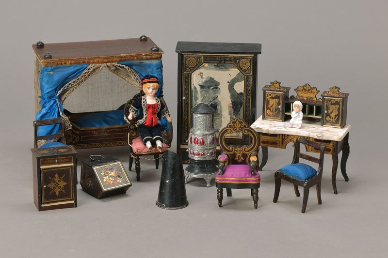 extensive Lot of Doll furniture