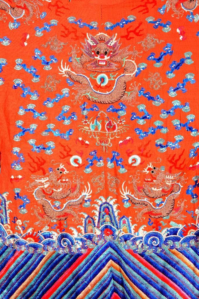Chinese 'Robe' (Dragon-Design),