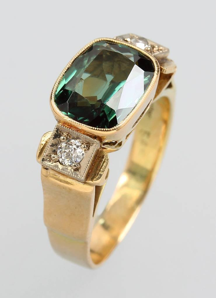 14 kt gold ring with peridot and diamonds