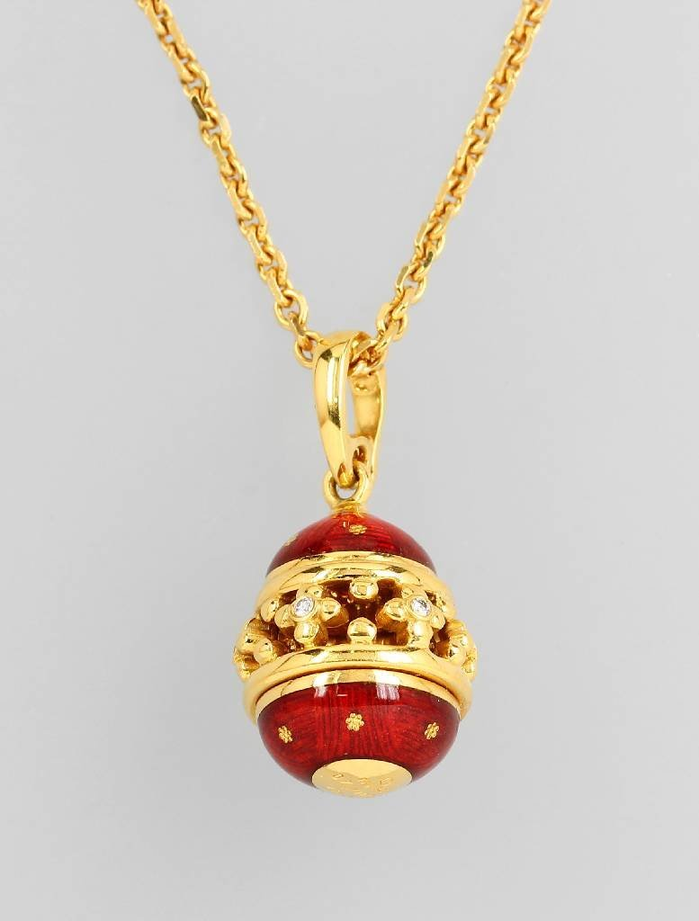 Clippendant with enamel and brilliants by FABERGE
